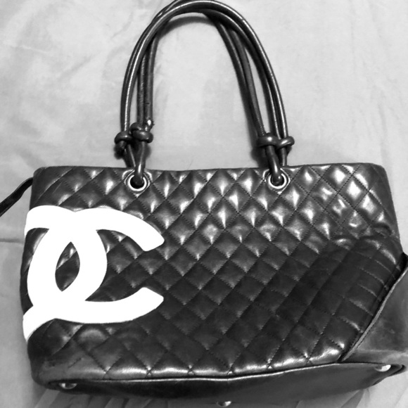 1944250af9e8 CHANEL Handbags - Authentic Lg Chanel Cambon Leather Tote